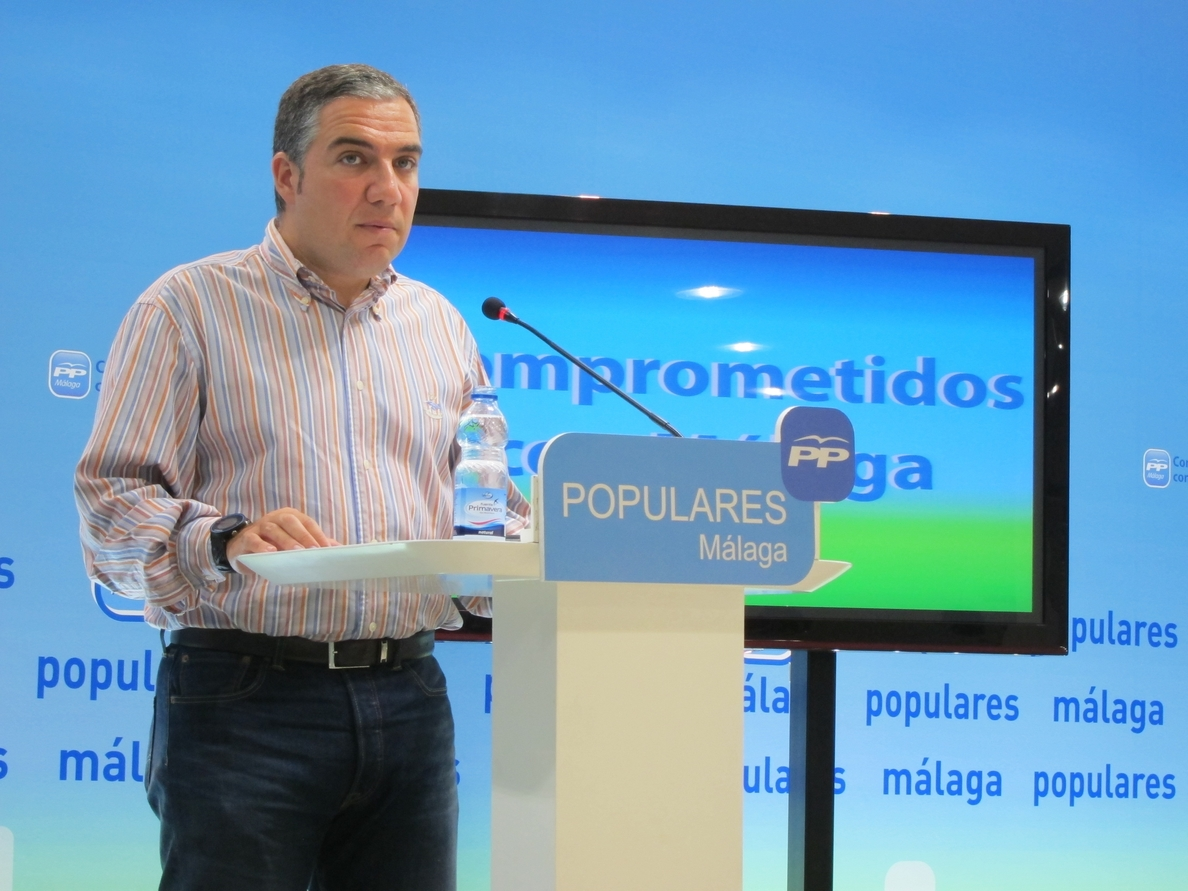 Bendodo (PP-A) critica que la decisión de Díaz de no estar en la nueva Ejecutiva federal del PSOE «es una pose»