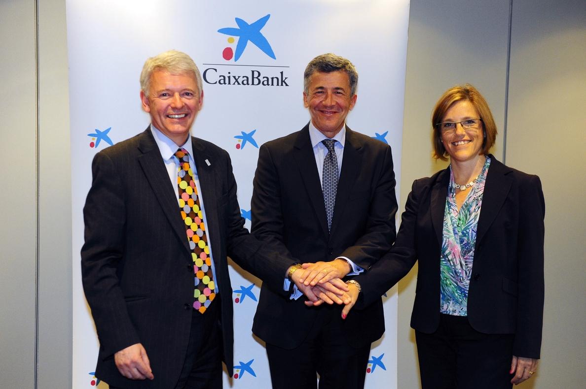 CaixaBank certifica la formación financiera de sus directivos en un curso de dos años de la UPF