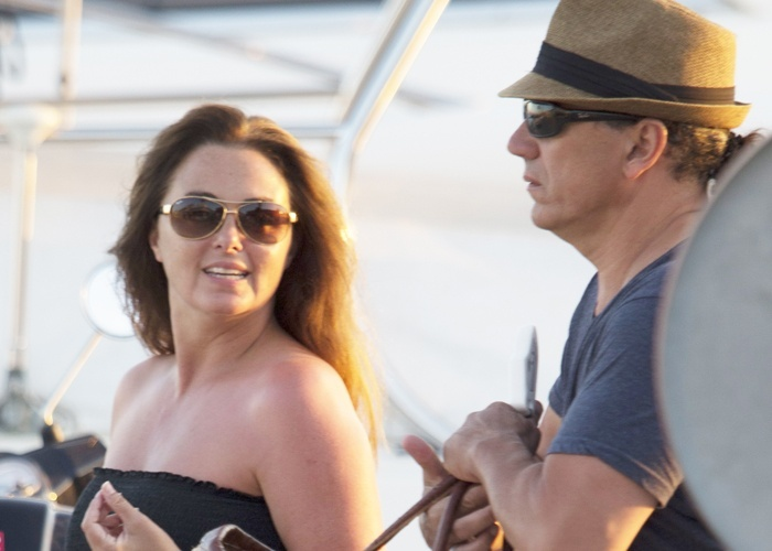 Carmen Morales junto a su marido Luis Guerra disfrutando de Ibiza