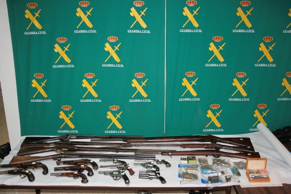 Detenido por tener un depósito de armas antiguas en Sant Boi de Llobregat