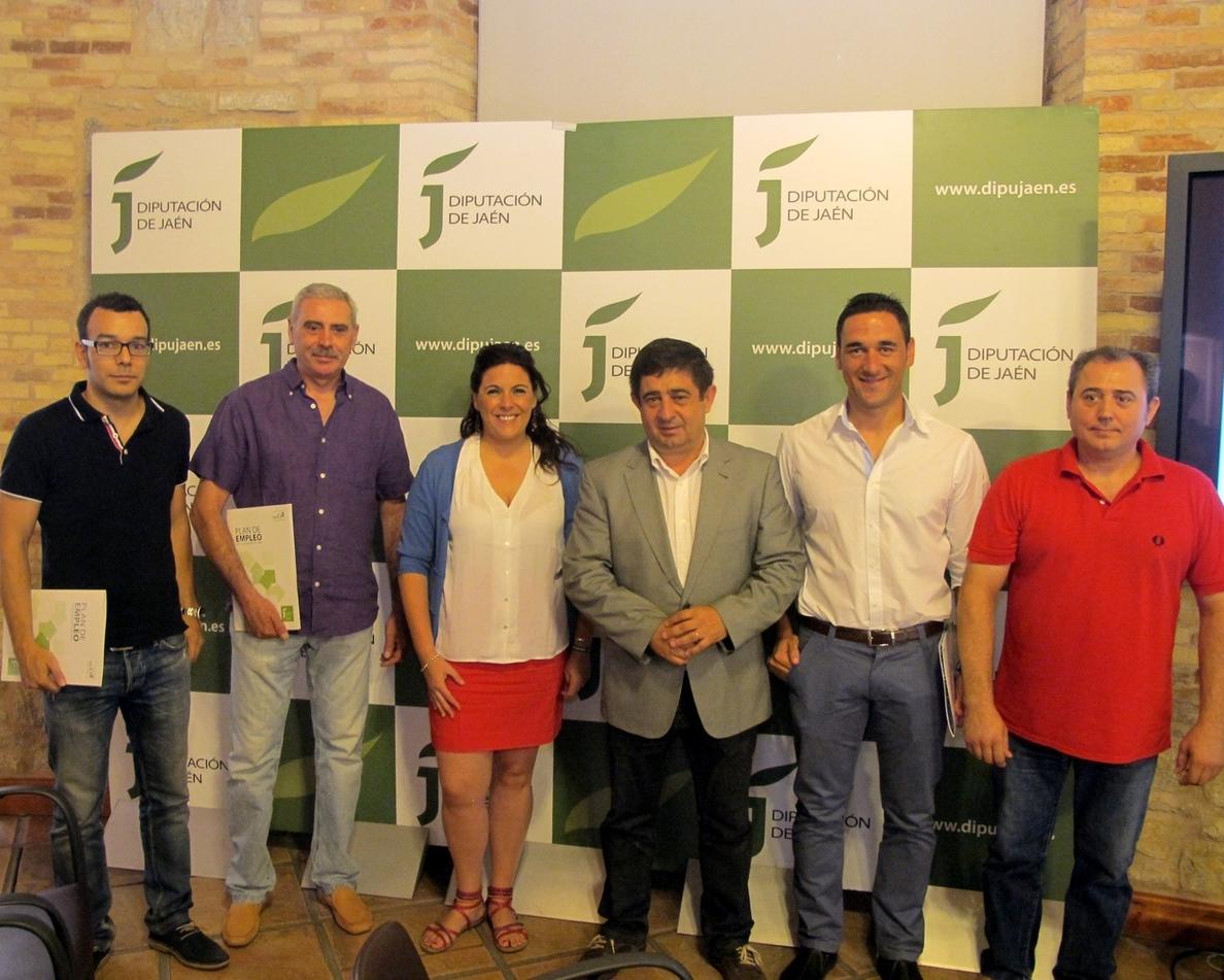 La Diputación entrega ayudas a cuatro cooperativas que dan empleo a 26 personas para incentivar su inversión