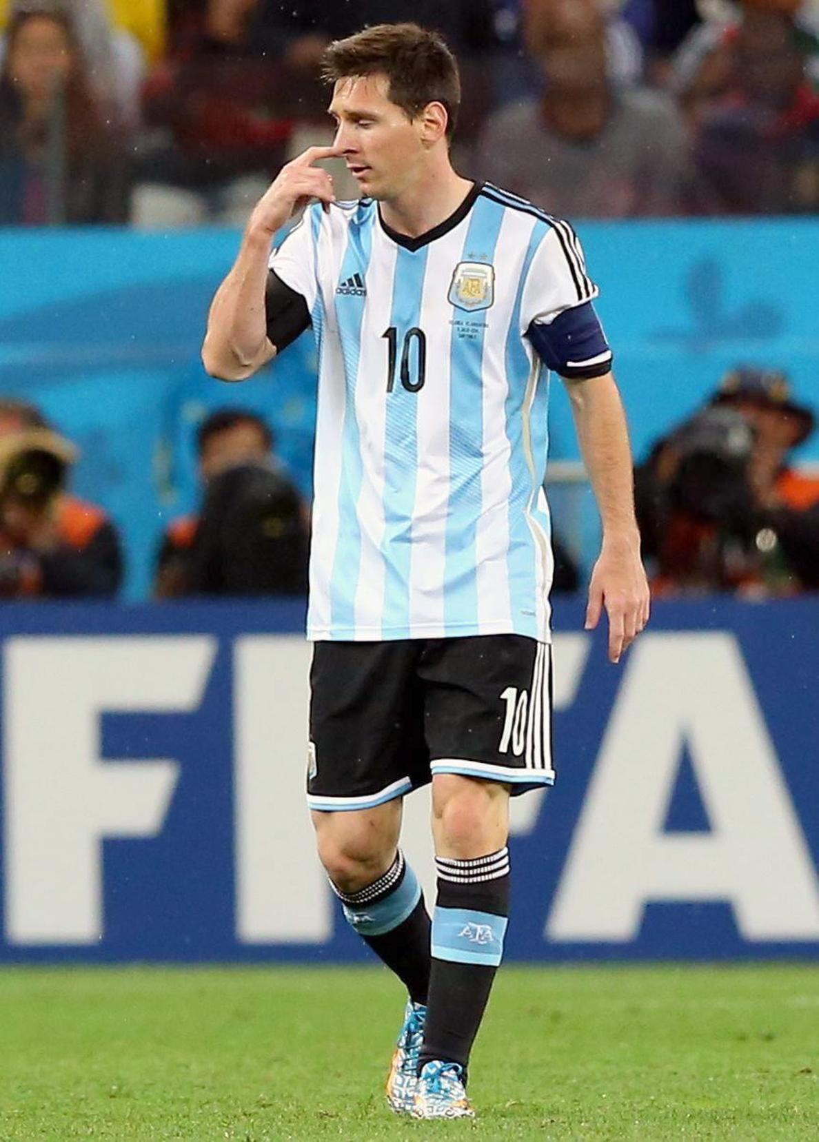 Maradona y el Balón de Oro a Messi, «le quieren hacer ganar algo que no ganó»