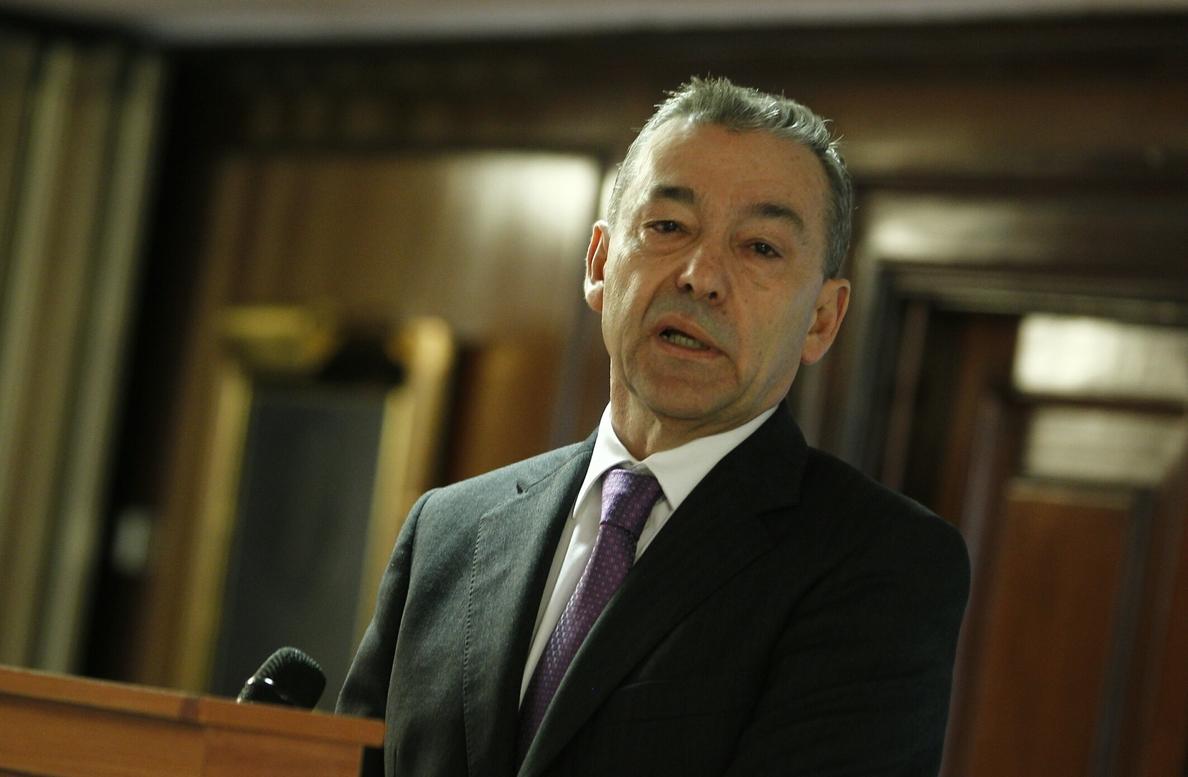 Rivero señala que Canarias «tiene que estar» en el proceso de la reforma de la Constitución