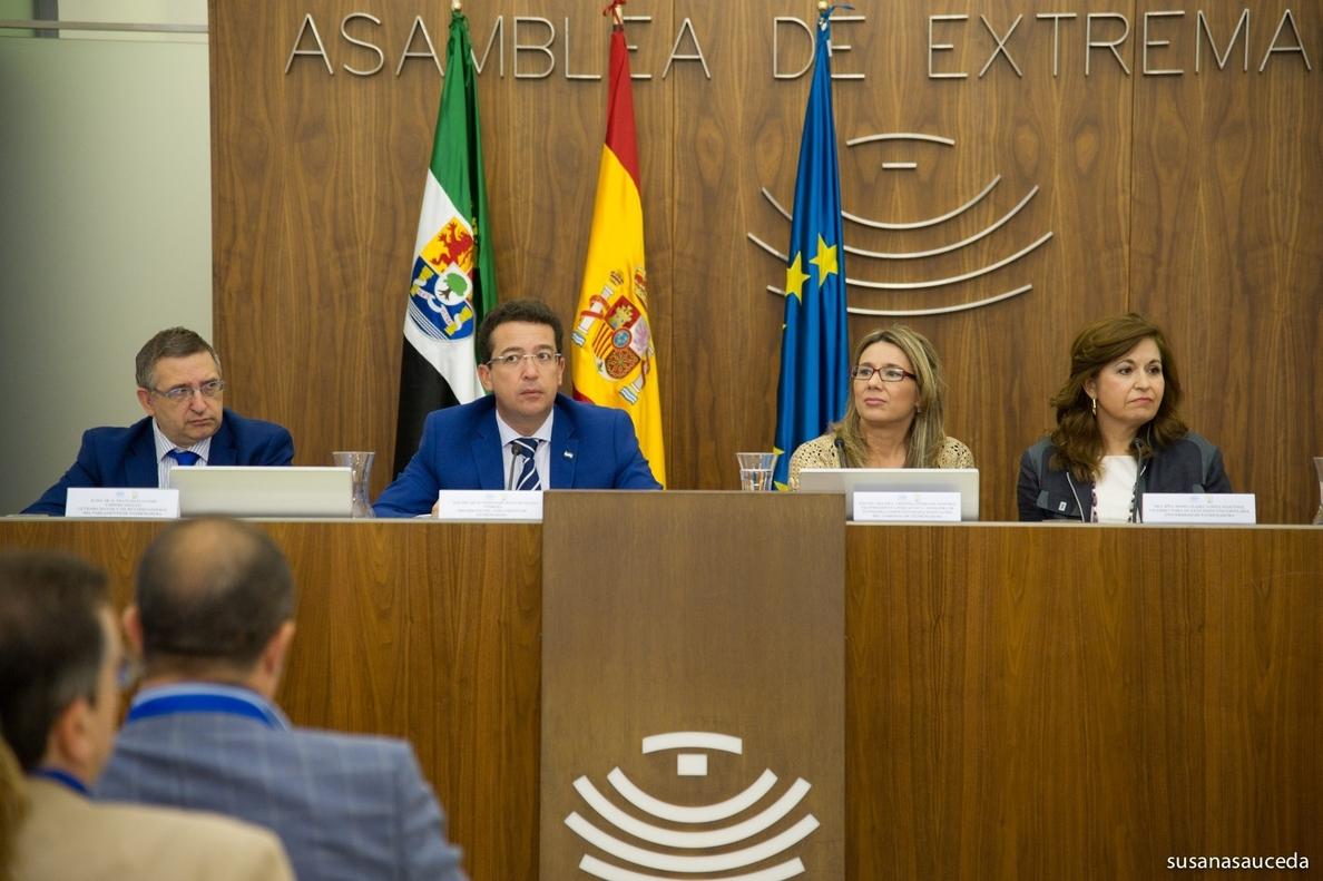 Teniente elogia la figura de Adolfo Suárez y destaca que su «esencia» debe volver «en todo su esplendor» a la política
