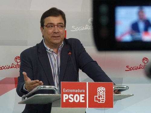 Vara: La Junta de Extremadura no le hizo en 2010 al actual consejero de Hacienda una autorización de compatibilidad