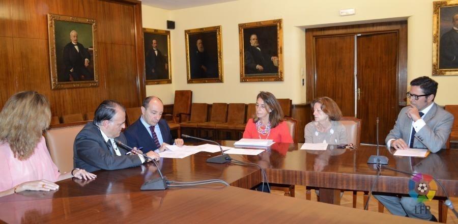 Los estudiantes de la Universidad Complutense podrán realizar sus prácticas en la LFP