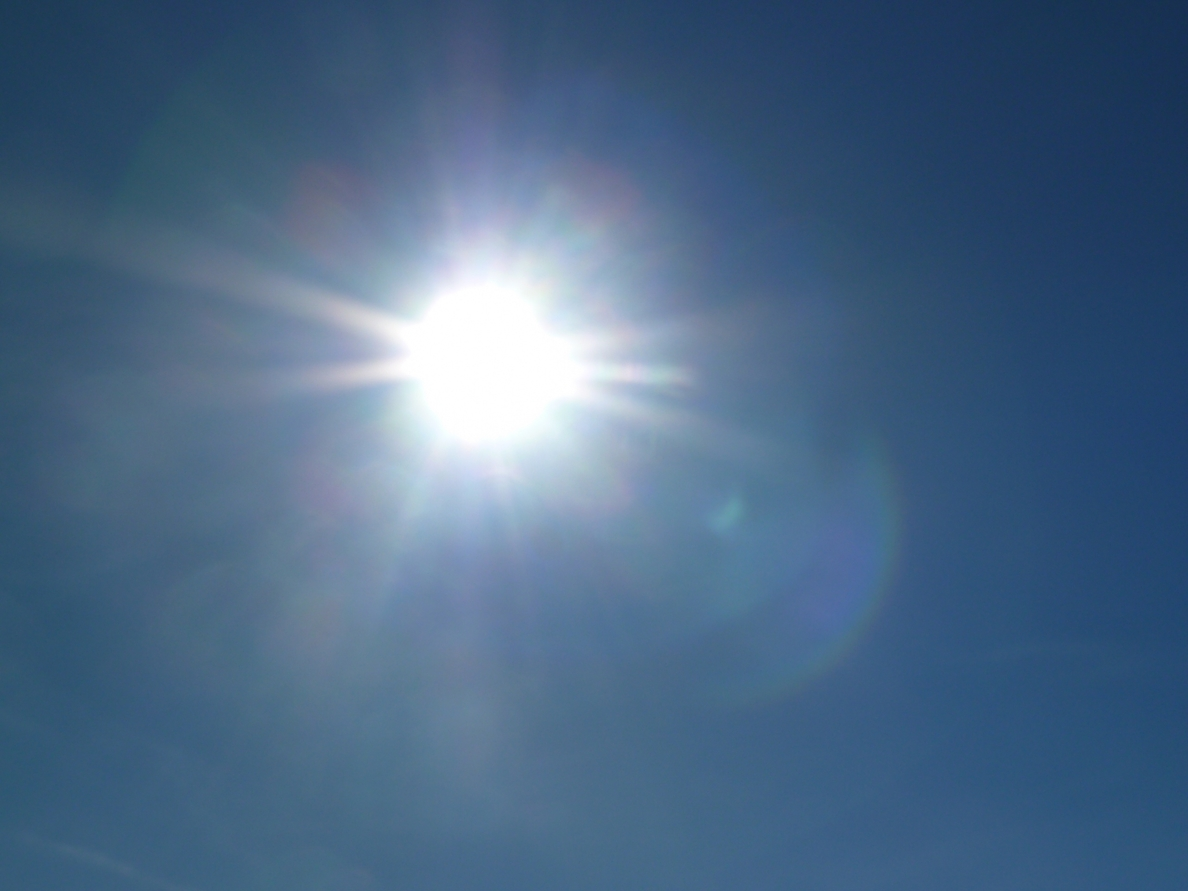 La llegada de una masa de aire cálido africano mantiene en alerta a 8 provincias, Badajoz entre ellas