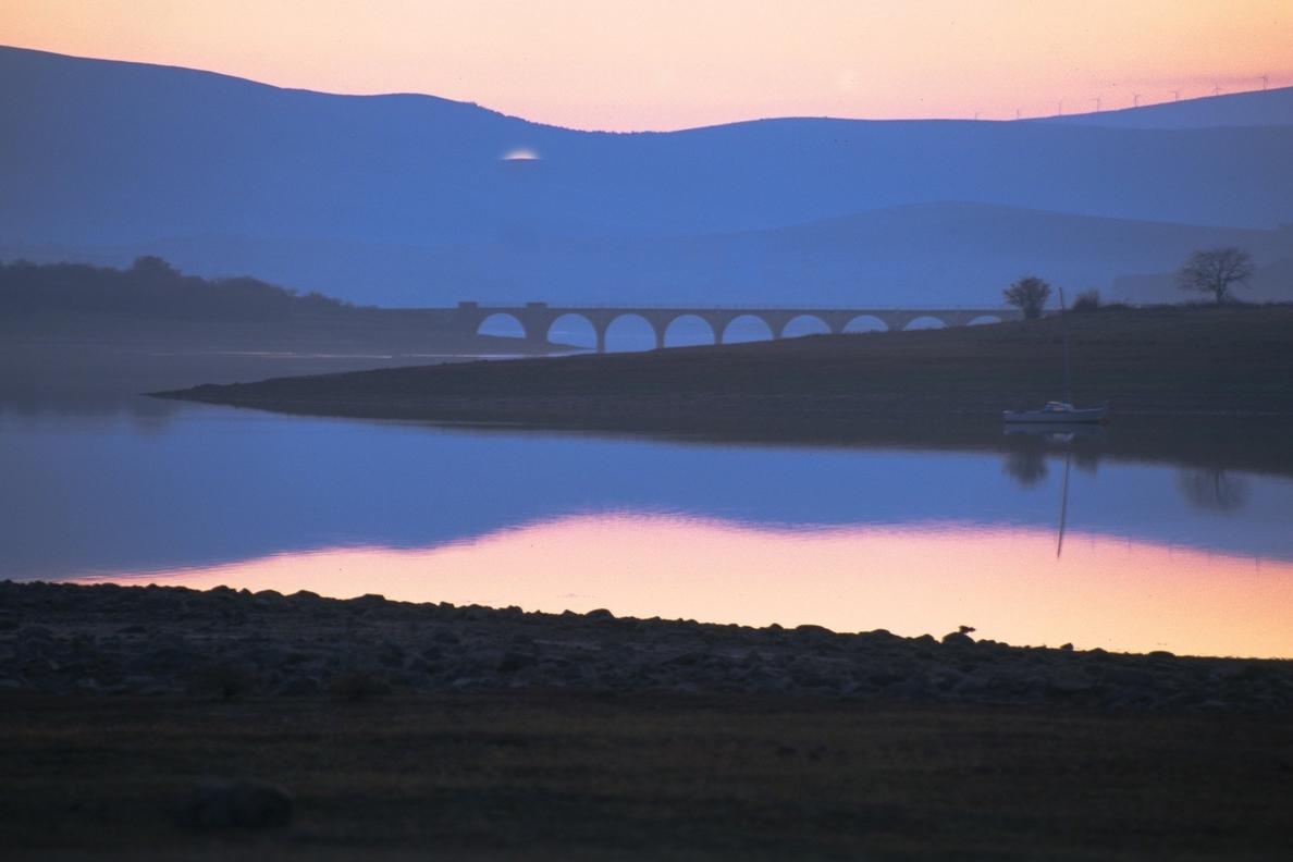 Las reservas del Ebro pierden cuatro hectómetros cúbicos y bajan al 91%