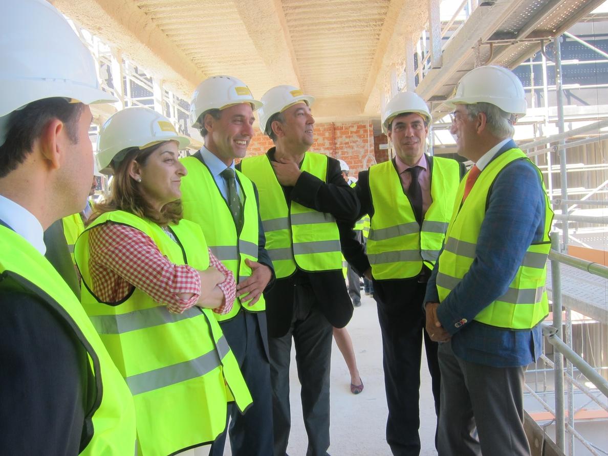 (AMP) Diego: Cantabria contará en primavera de 2015 con una mejor sanidad y un hospital de referencia nacional