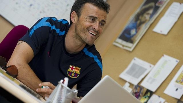 Luis Enrique otorga protagonismo al balón en su primer entrenamiento con el Barça