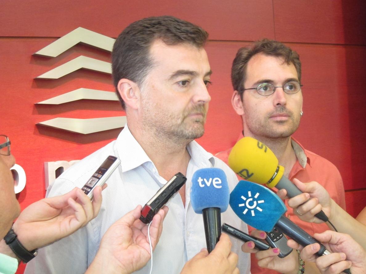 Maíllo (IULV-CA), «harto» de la «discriminación bestial» hacia Andalucía, tacha de «nueva chapuza» el recorte a las CCAA
