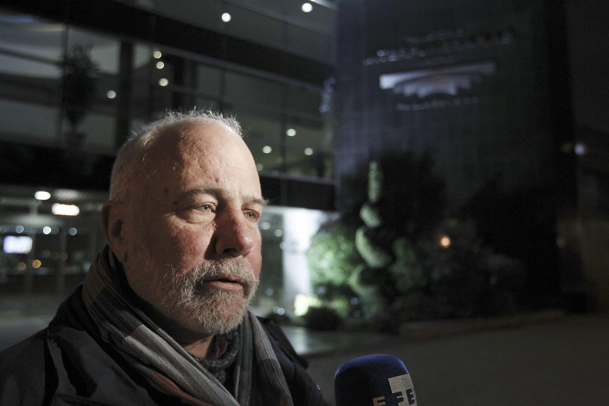 Ramón Lobo asegura que hay que desnudarse de todo para que la gente cuente sus historias