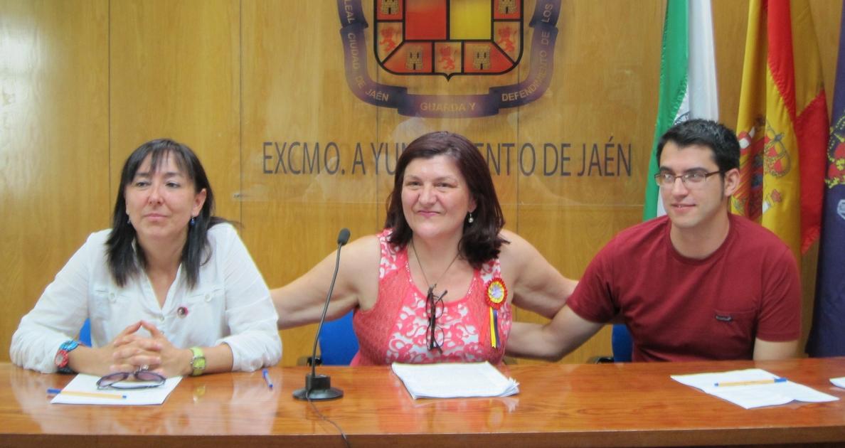 «Relevo natural» en el grupo de IU en el Ayuntamiento tras renunciar la portavoz y ceder el testigo a Pablo Foche