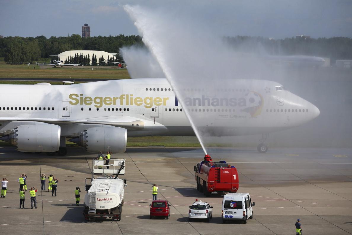 La selección alemana aterriza en Berlín, lista para la gran celebración