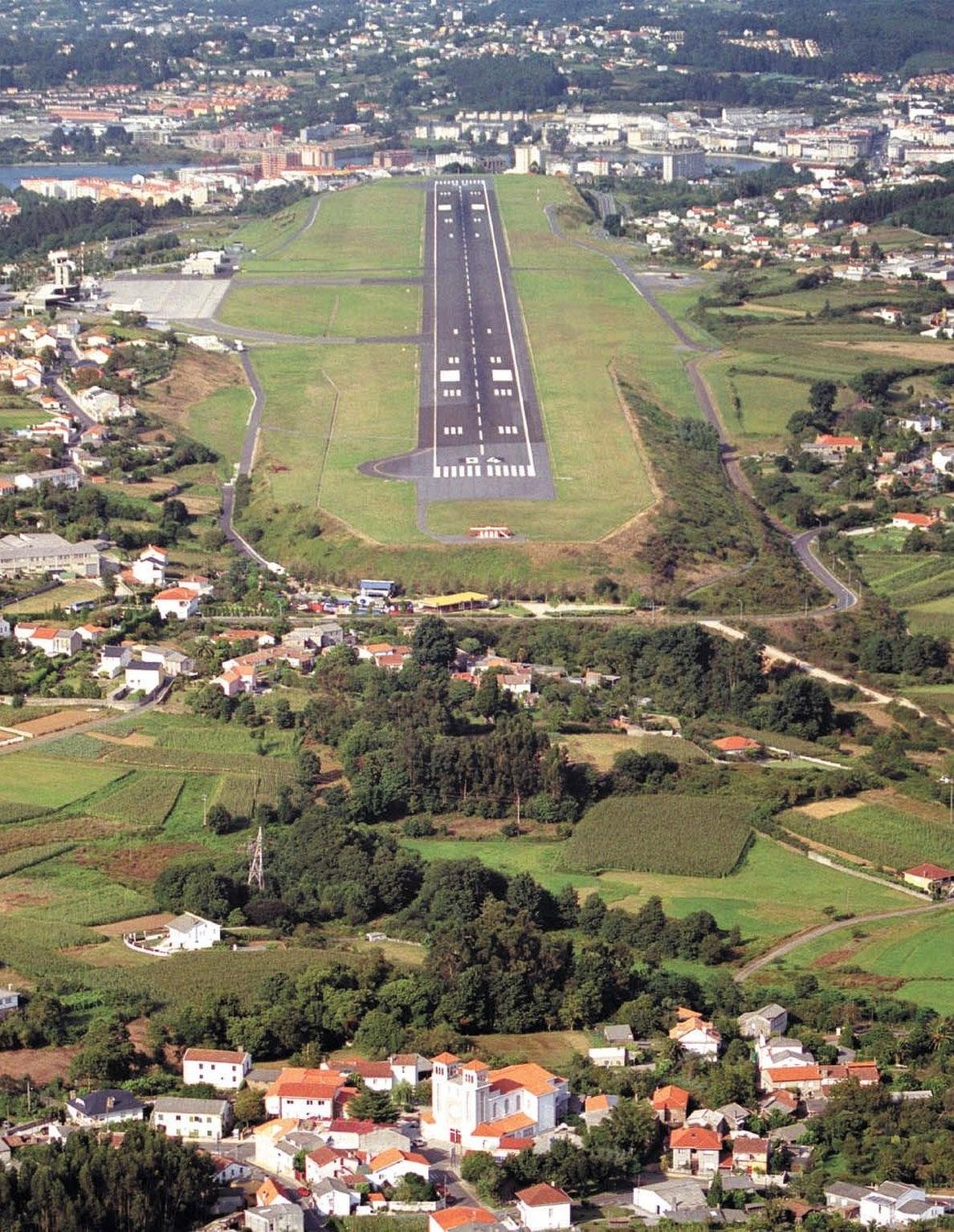 A Coruña lidera el crecimiento de pasajeros en los aeropuertos gallegos en julio, con un 10%