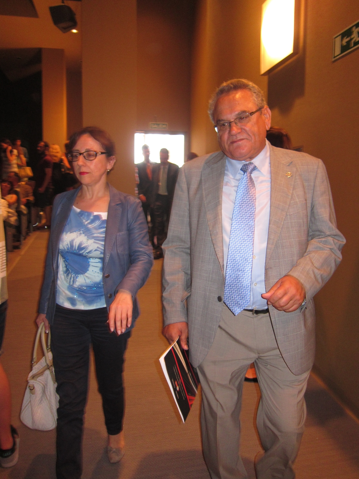 Fernández cree «irrenunciable» el trazado de acceso a la Zalia por la Peñona
