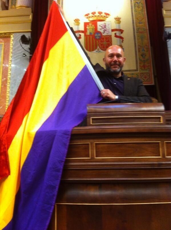 IU denuncia que el Gobierno avala la represión preventiva al defender detenciones durante la proclamación de Felipe VI