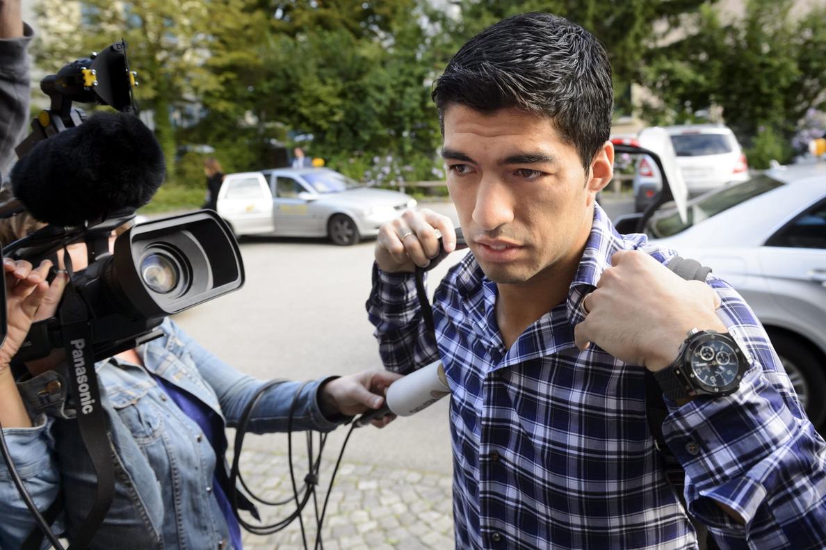 Luis Suárez declara durante cinco horas ante el TAS para intentar reducir su sanción