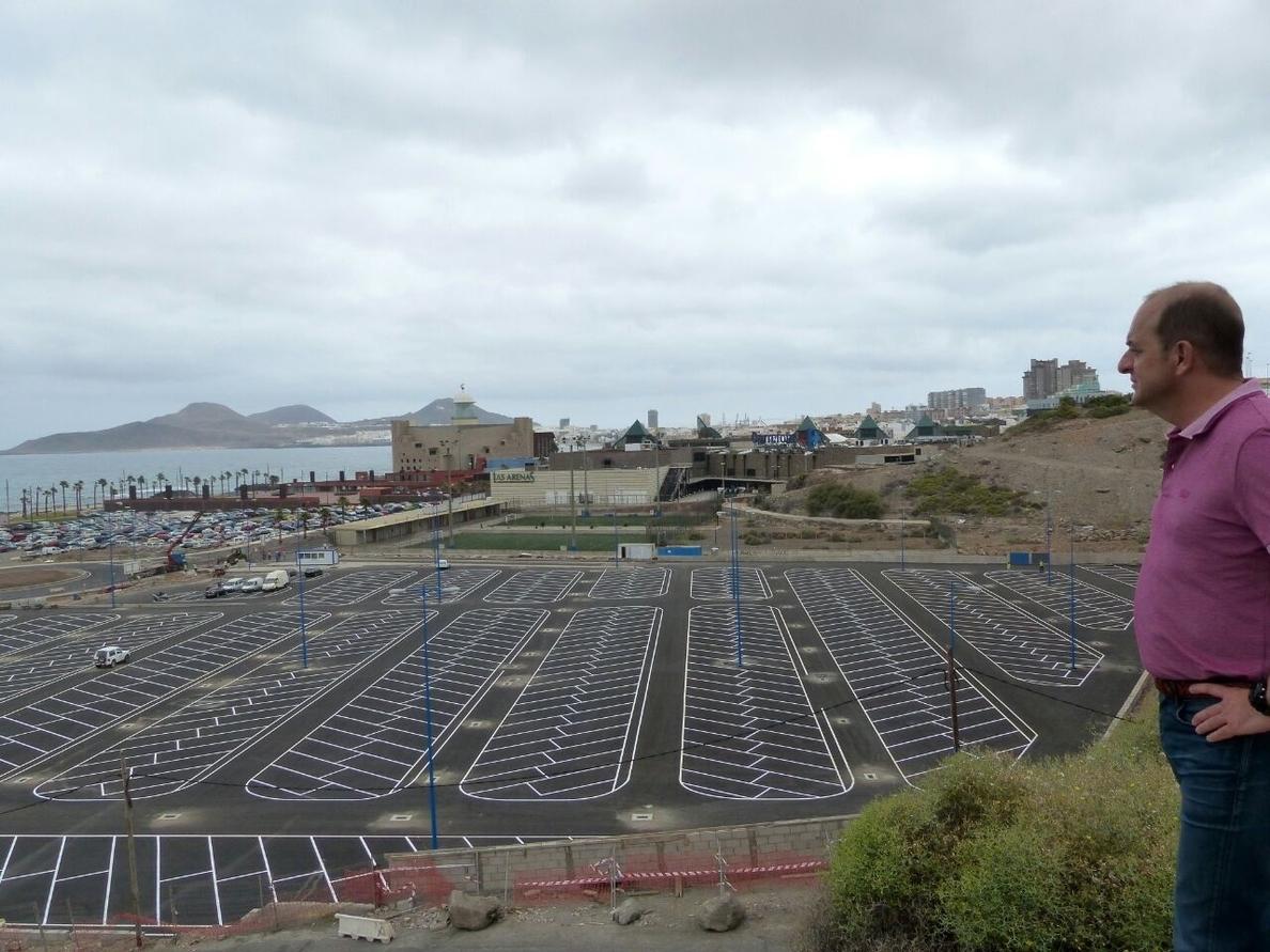 El alcalde de Las Palmas de Gran Canaria visita el aparcamiento intermodal de El Rincón que acogerá 1.000 vehículos