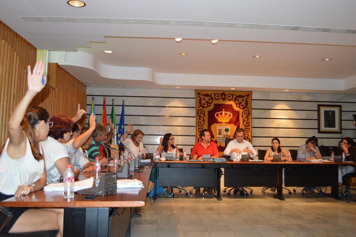El Pleno de Punta Umbría apoya expresamente al sector pesquero con una moción sobre la chirla y la sardina