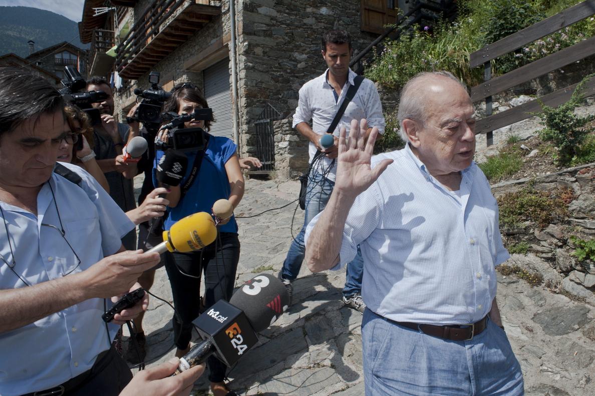 Pujol recibe en Queralbs (Girona) una citación de la Agencia Tributaria