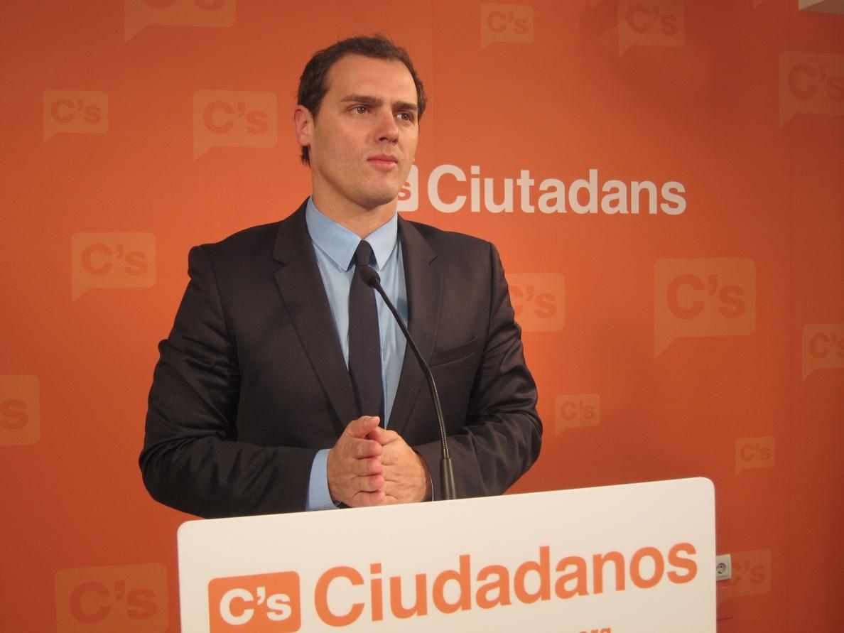 Rivera (C»s) dice que PP y PSOE han tapado «durante muchos años la corrupción de los Pujol»