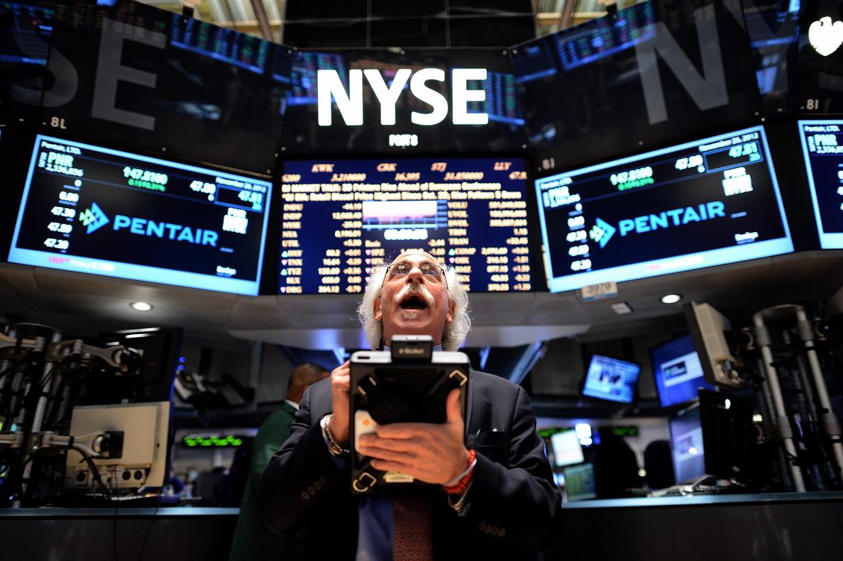Wall Street amplía los avances y el Dow Jones sube el 0,48 por ciento a media sesión