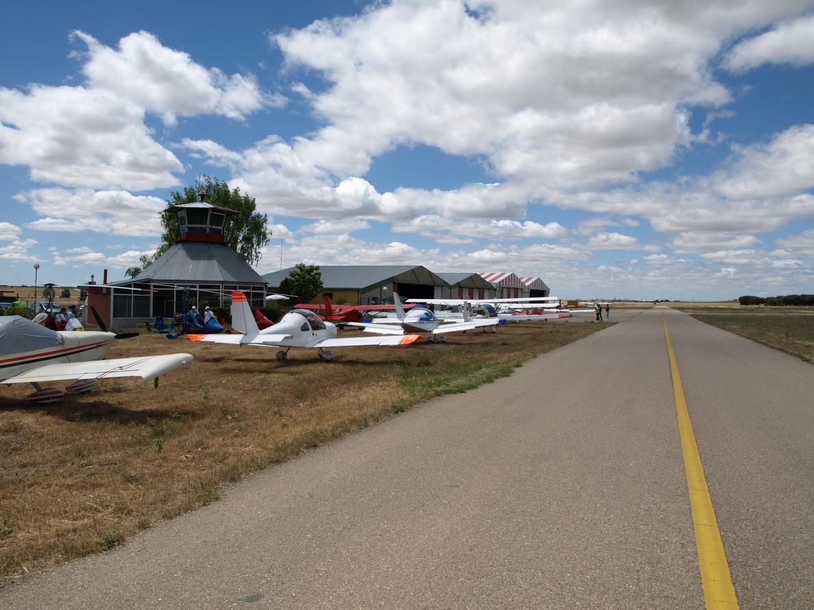 La XXIII Vuelta/Volta Ibérica aterriza este sábado en el aeródromo de Matilla de los Caños (Valladolid)