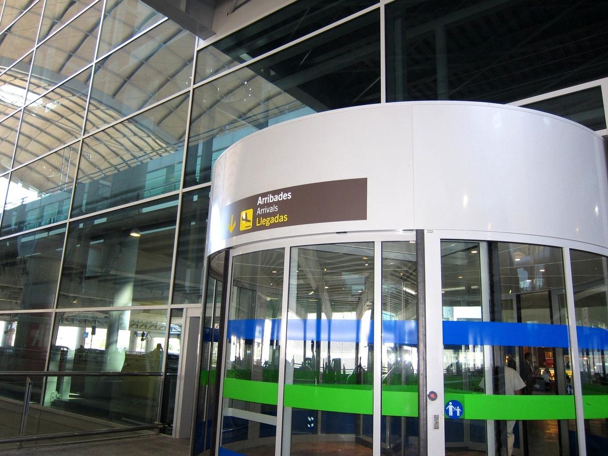El aeropuerto bate su récord histórico en julio al registrar más de 1,2 millones de pasajeros