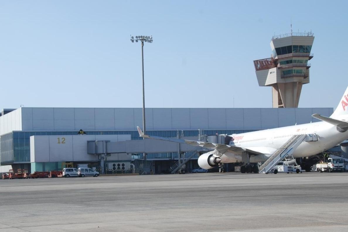 Los aeropuertos canarios registran un incremento de pasajeros del 7,9% al alcanzar los 2,9 millones