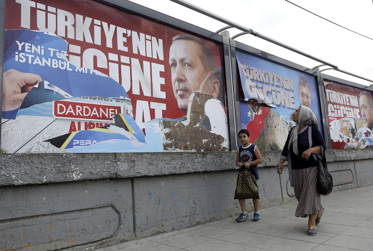 Un 59 por ciento de los turcos aprueba la gestión de Erdogan, candidato a presidente