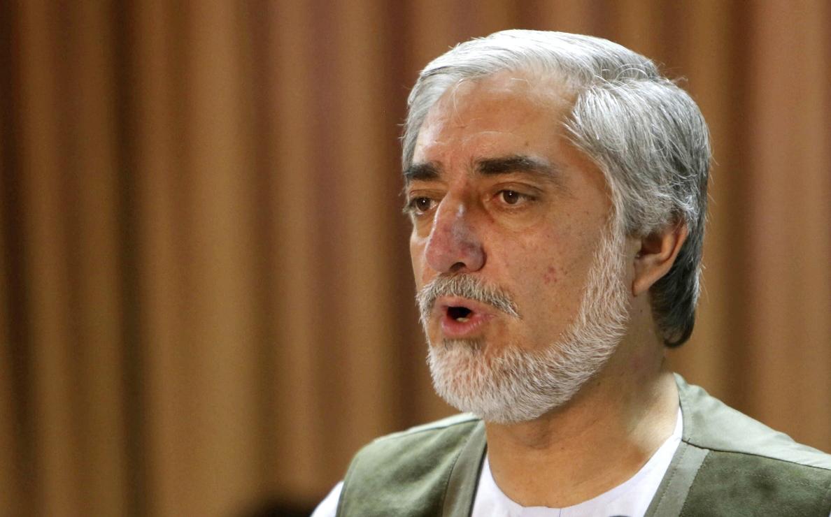 Los candidatos afganos firman un acuerdo electoral con la mediación de Kerry