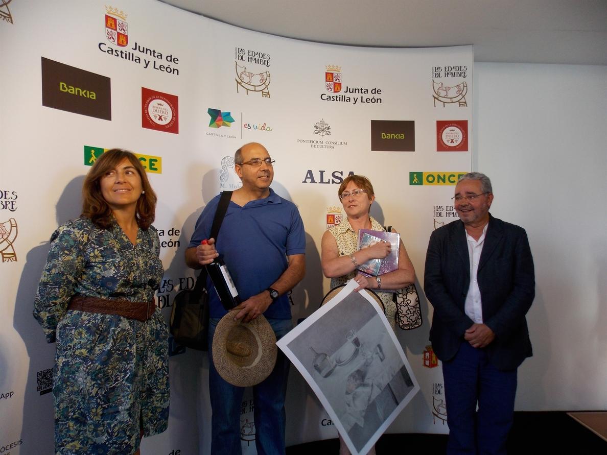 Un madrileño de 56 años, el visitante 100.000 de la exposición »Las Edades del Hombre» en Aranda (Burgos)