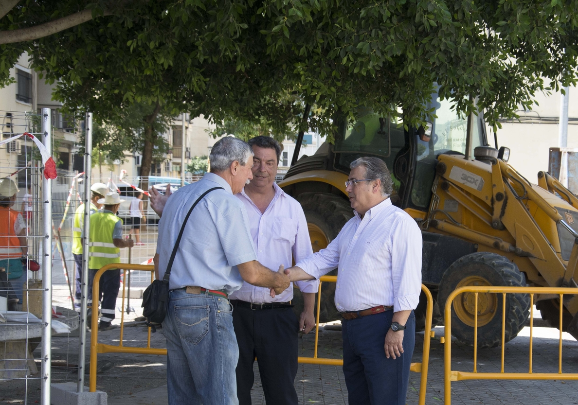 Ayuntamiento realiza obras en la red de saneamiento del Callejón Ontur, con un presupuesto de 48.000 euros