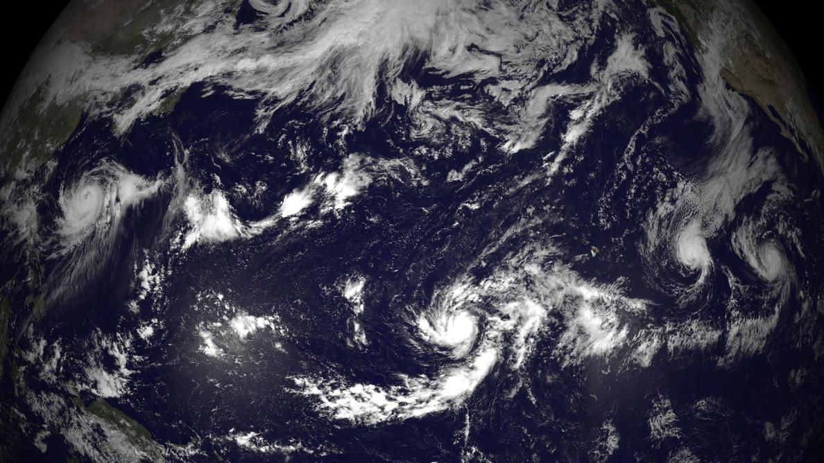 Cancelan cientos de vuelos en Japón ante la llegada de un fuerte tifón