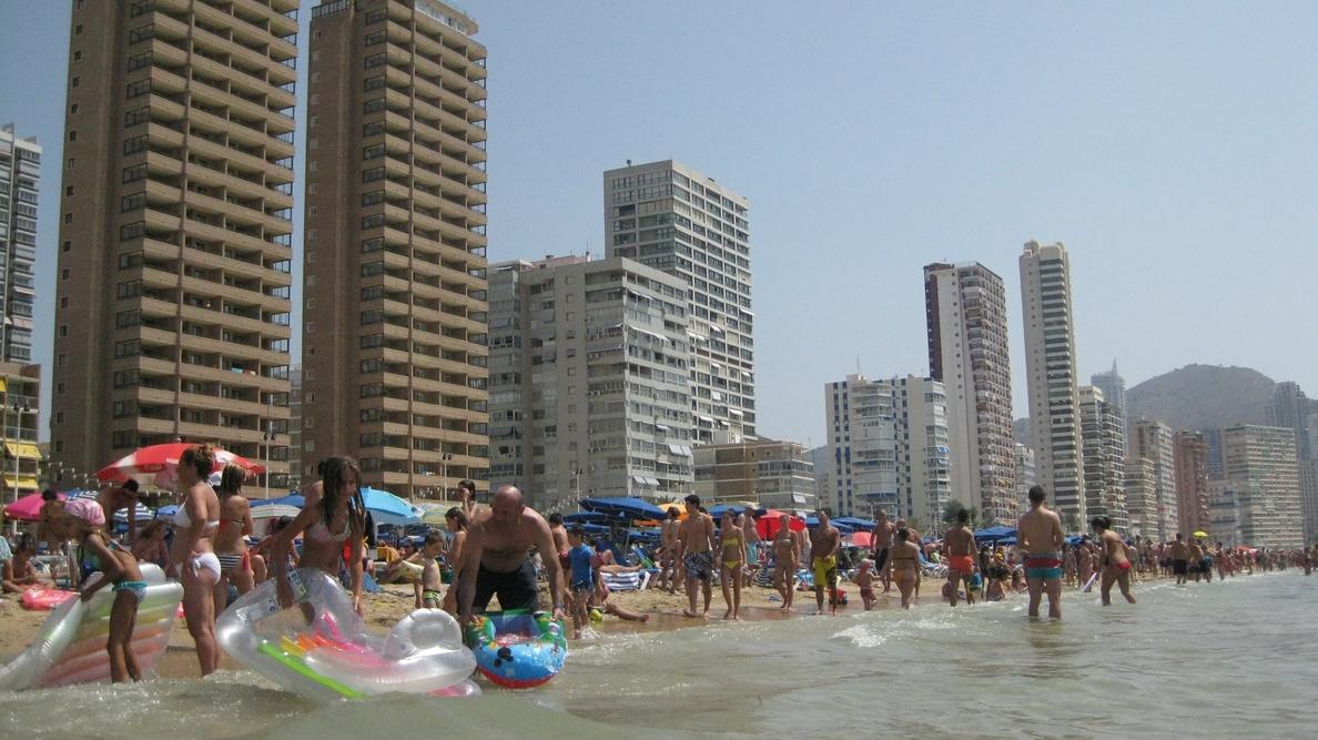 Cataluña y Andalucía son los destinos más buscados por los vascos para veranear, según un estudio de Trivago