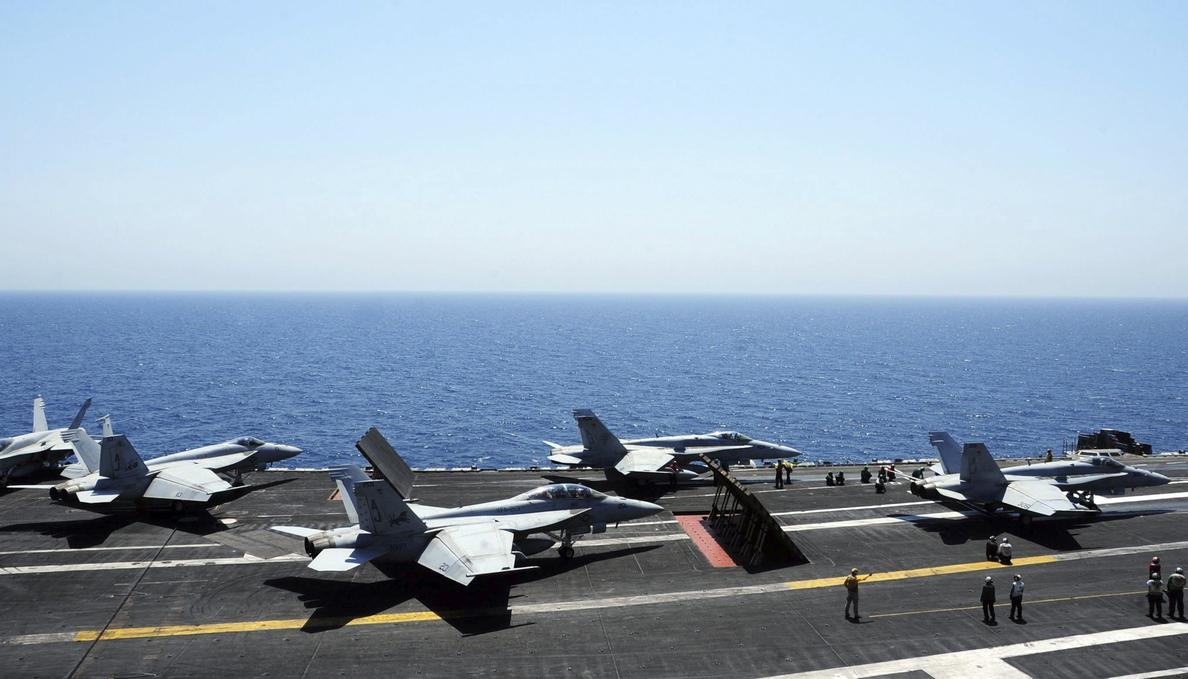 EEUU efectúa nuevos ataques y lanza ayuda humanitaria a los refugiados de Irak