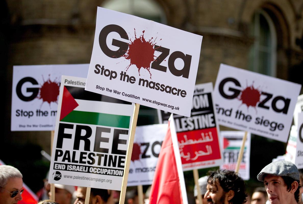 Miles de personas protestan en Londres contra la ofensiva israelí en Gaza