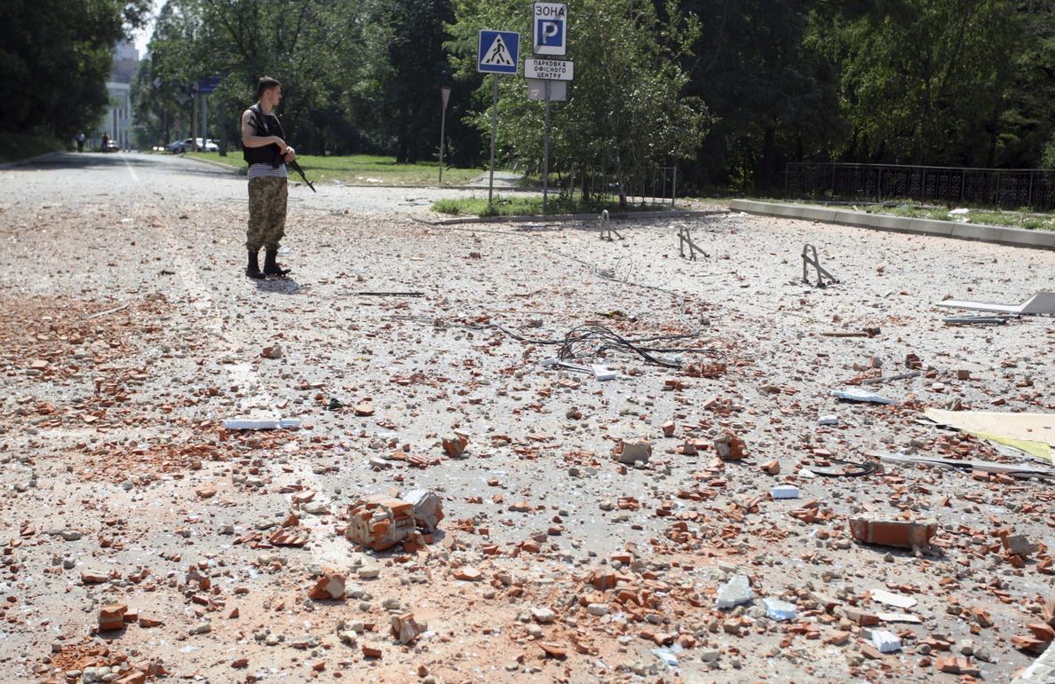 Mueren 13 militares ucranianos en combates con prorrusos en el este del país
