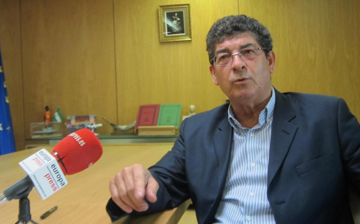Valderas reclama «mayor celeridad» a la comisión de trabajo PSOE-IU sobre la reordenación del sector público