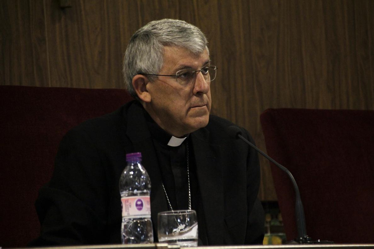El arzobispo de Toledo firma los nombramientos para el curso pastoral 2014-2015