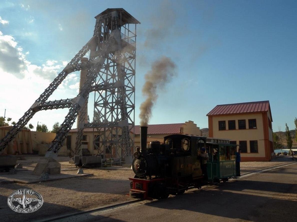 La locomotora »La Hulla» de Utrillas se encenderá de nuevo este mes