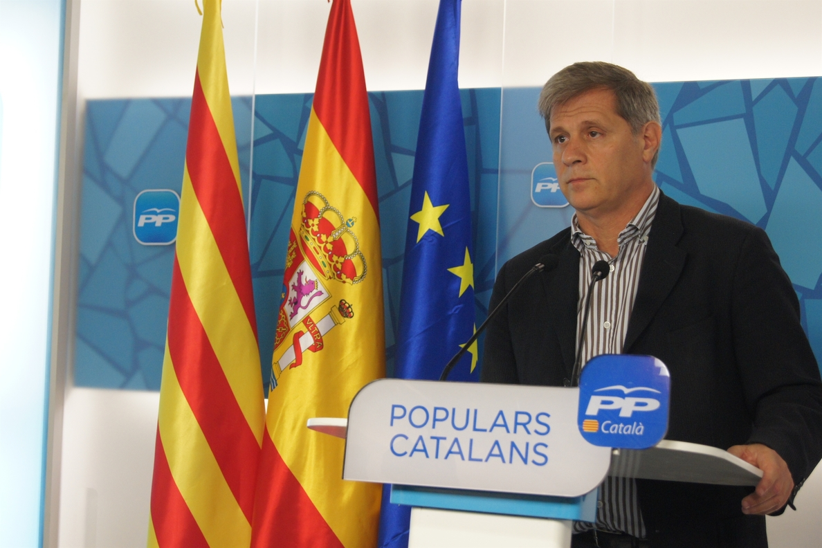Alberto Fernández (PP) critica que trenes de la L9 que costaron 42,3 millones están parados