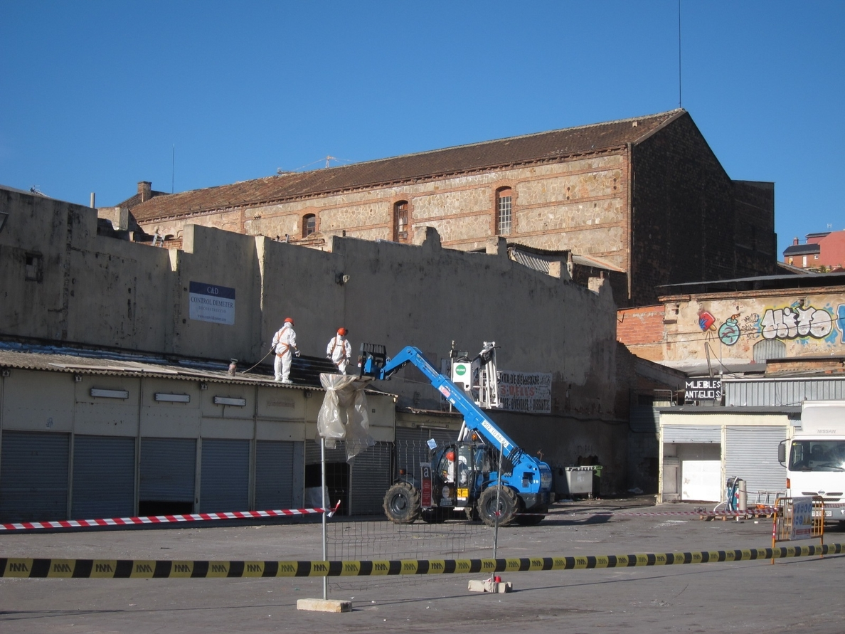 CiU propone censar edificios con amianto, un plan de retirada y un fondo de compensación a afectados
