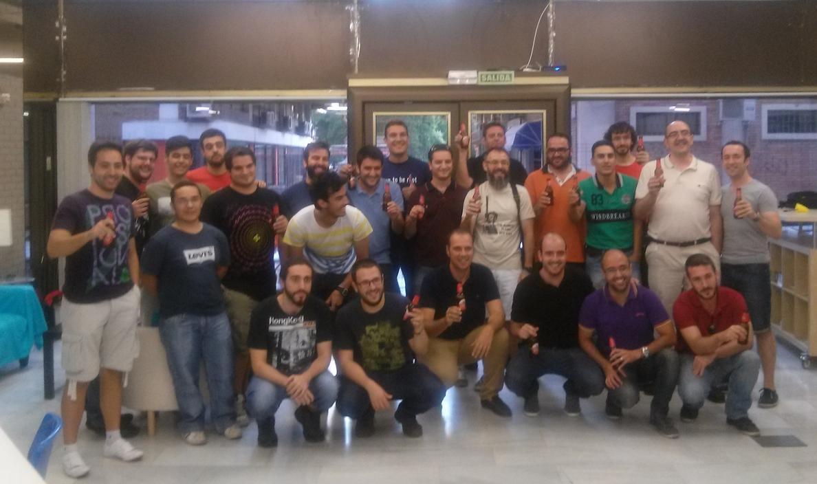 Crean una comunidad pionera de »hacking» ético que ofrece charlas gratis en ambiente distendido y con cervezas