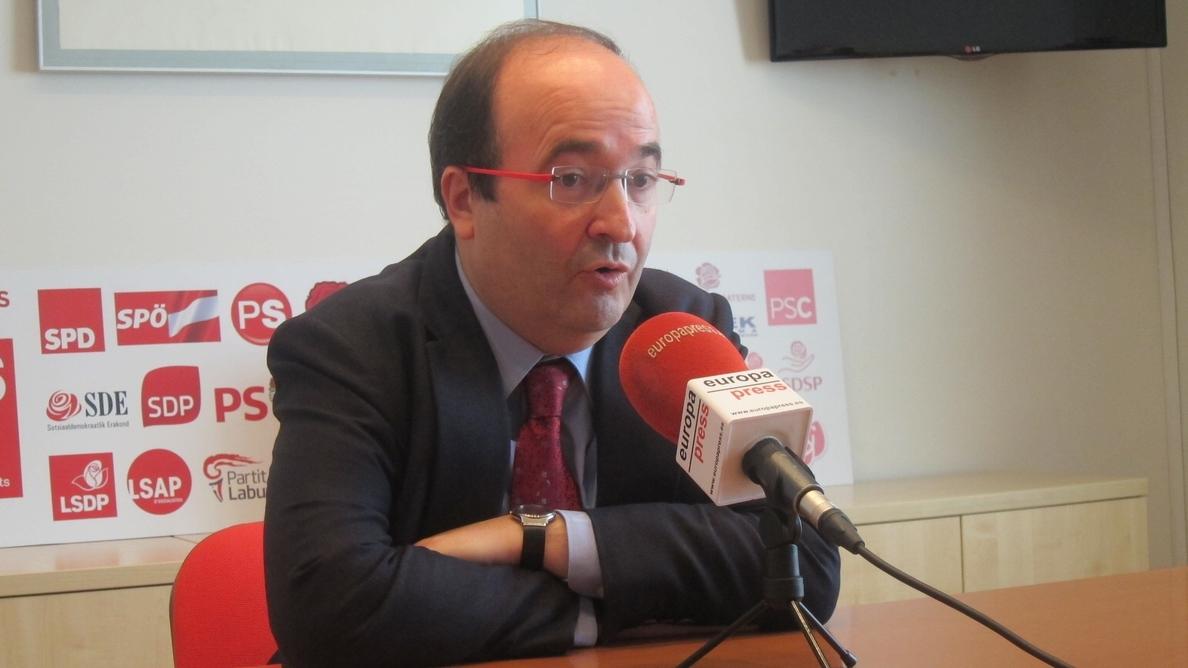 Iceta afirma que el PSC no sancionará a los militantes que estén en la »V» de la Diada