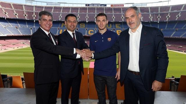 Zubizarreta: «Vermaelen ha elegido el Barça entre muchas ofertas importantes»