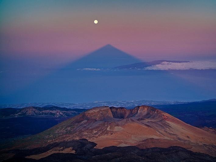 La sombra del Teide se alineará este domingo con la »SuperLuna»