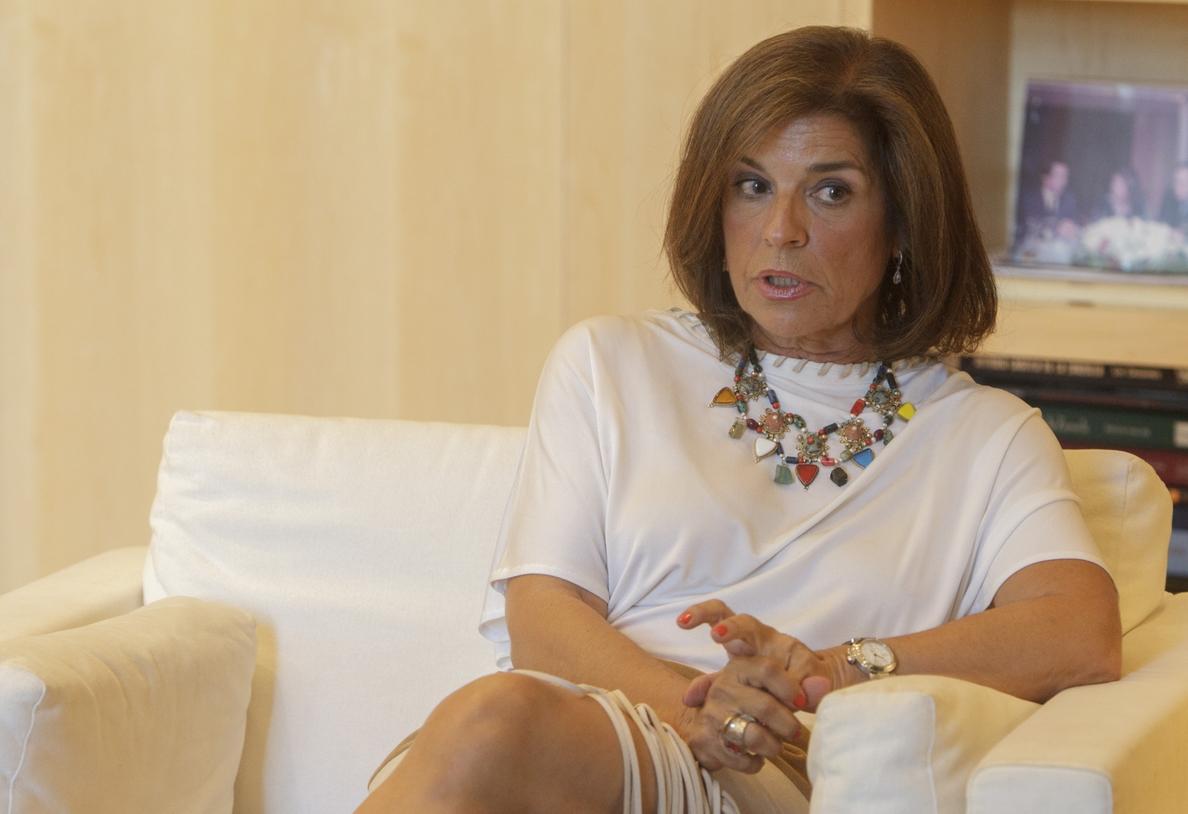 Ana Botella dice no tener «miedo» a que le quieran »mover la silla» en el PP y hablará de su futuro «cuando toque»