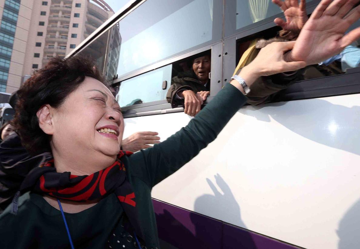 Corea del Sur pide al Norte negociar un nuevo encuentro de familias separadas